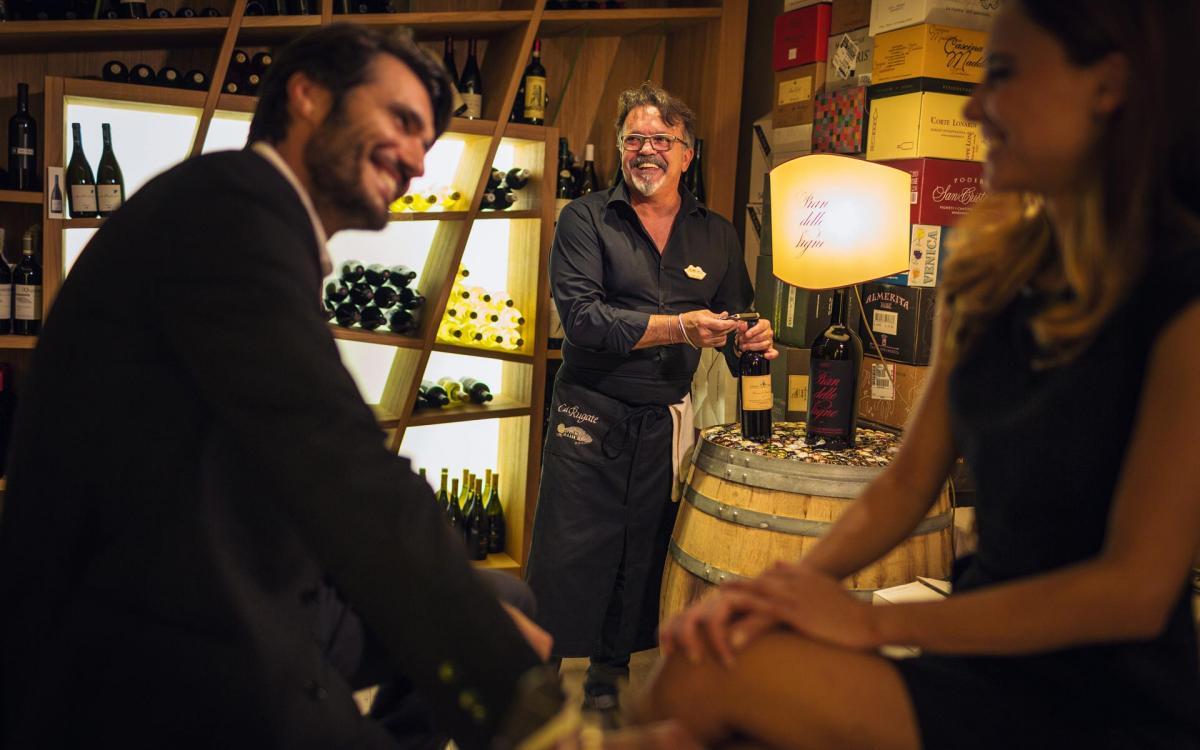 """""""Bollicine"""" im Weinkeller: der stilvolle Aperitif"""