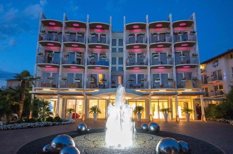 AMBIENTE design-romantico-color-hotel-la-veranda-del-color